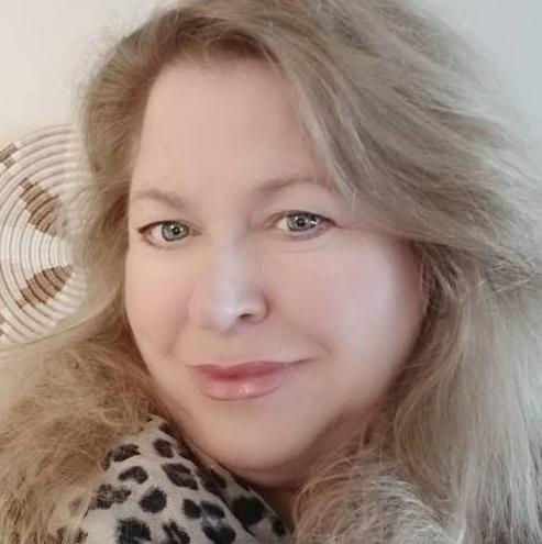 Executive Board Member and Artist Arlene Bonnet Finds Strength Through Her Brushes Inspiration
